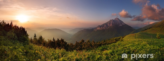 Zelfklevend Fotobehang Roszutec piek in zonsondergang - Slowakije berg Fatra - Thema's