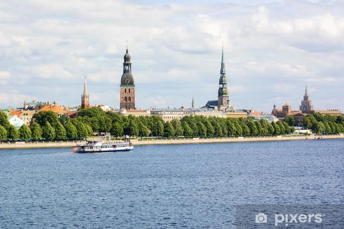 Naklejka Pixerstick Panoramiczny widok Starego Miasta w Rydze i Dźwiny, Łotwa - Europa