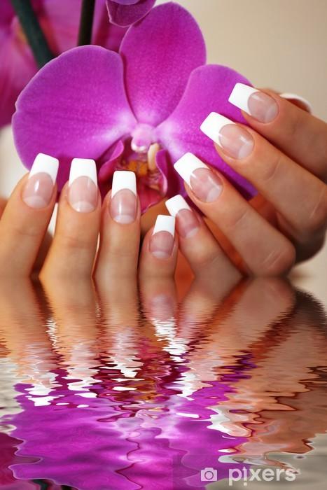 Fototapeta winylowa Francuski Nägel Wasserspiegelung - Uroda i pielęgnacja ciała