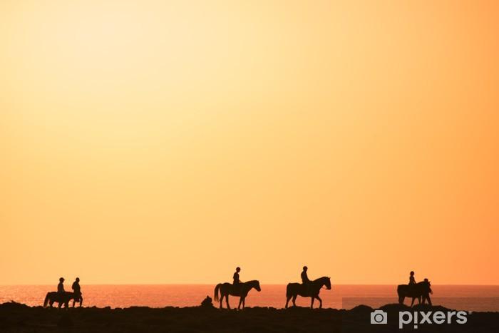 Papier peint vinyle Silhouettes des cavaliers - Campagne