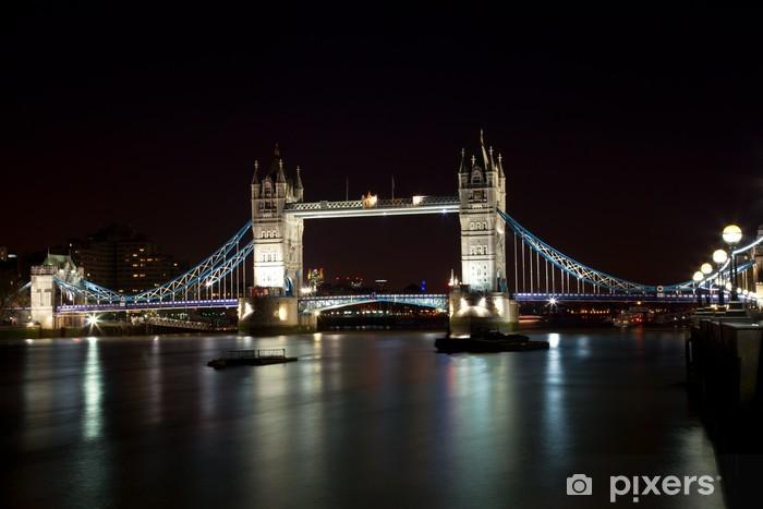Papier peint vinyle London Tower Bridge de nuit - Thèmes