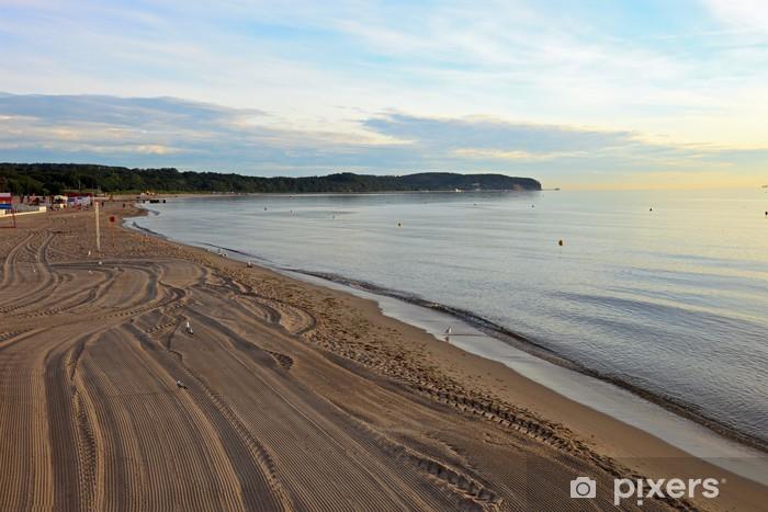 Papier peint vinyle Lever de soleil sur la plage à Sopot. Pologne. - Europe