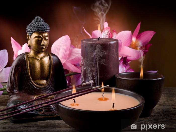 Papier peint vinyle Buddah avec des bougies et de l'encens - Styles
