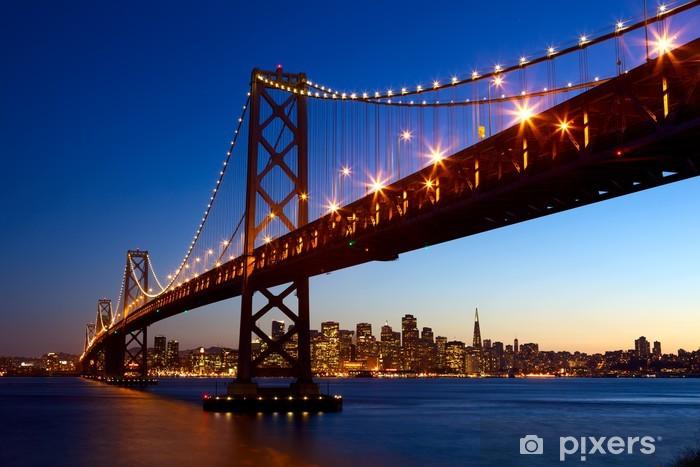Vinilo Pixerstick Horizonte de San Francisco y el puente de la bahía al atardecer, California, EE.UU. - Temas