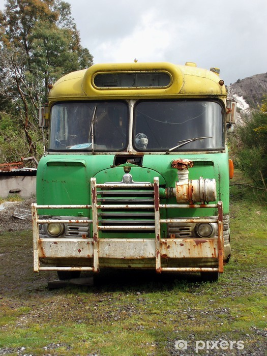 Fototapeta winylowa Old school bus - Transport drogowy