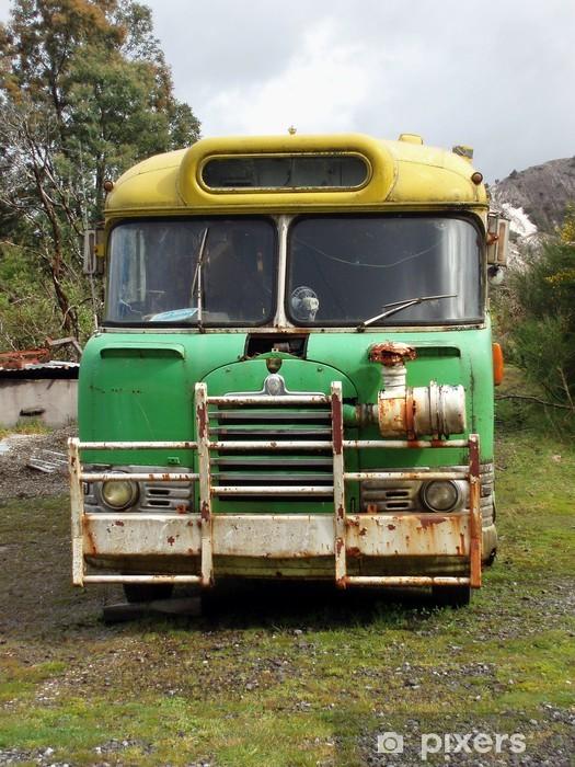 Papier peint vinyle Old School Bus - Sur la route
