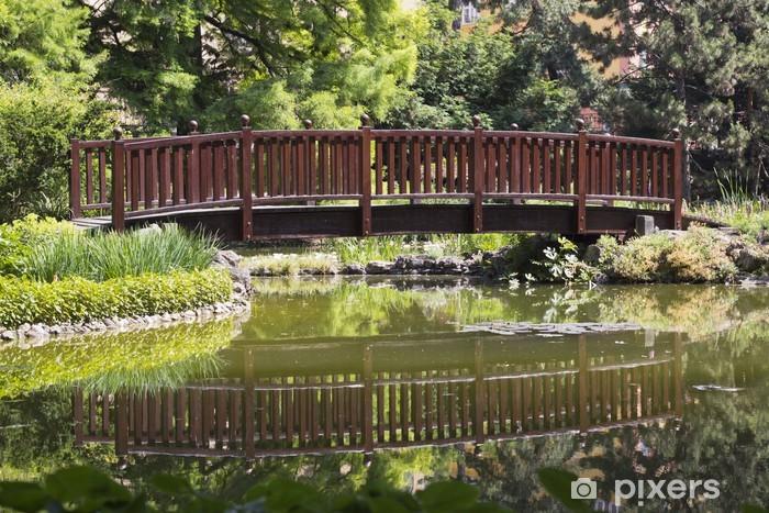 Papier peint vinyle Pont sur le lac - Eau