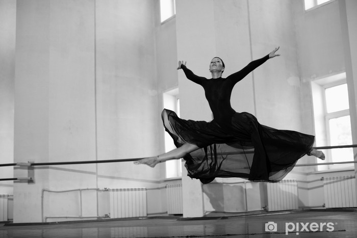 Naklejka Pixerstick Skok treningowy baletnicą - Tematy