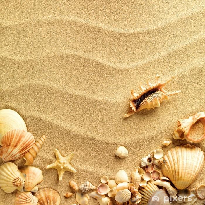Afwasbaar Fotobehang Zee schelpen met zand als achtergrond -