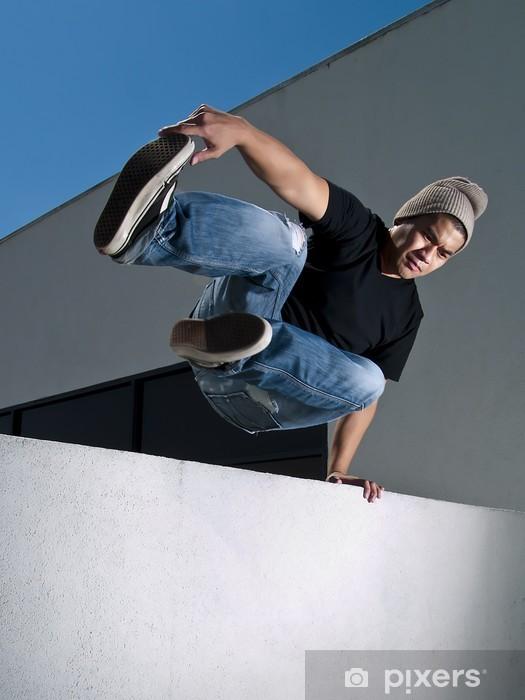 Vinyl Fotobehang Zijaanzicht van parkour jump - Individuele sport