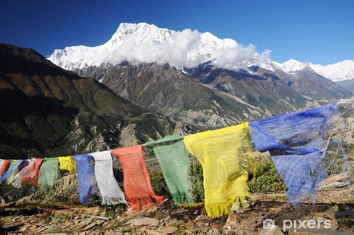 Papier peint vinyle Annapurna pic avec des drapeaux de prière colorés, Népal - Thèmes
