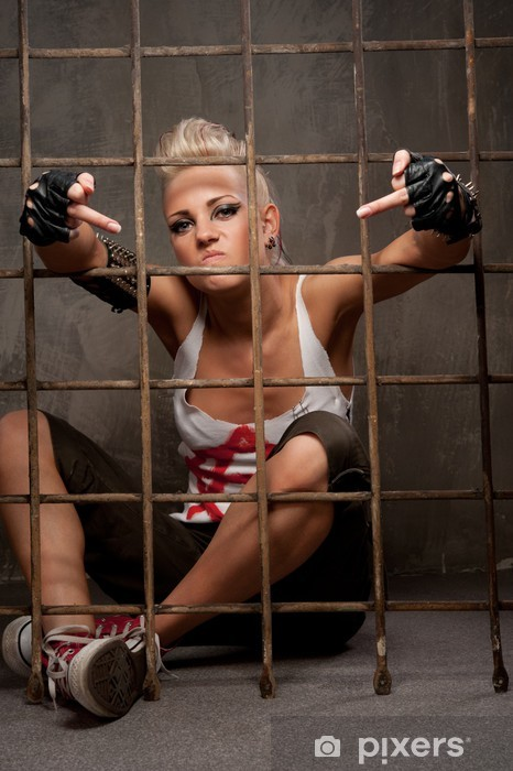 Nálepka Pixerstick Punk dívka za mřížemi zobrazující hrubé gesto. - Jiné