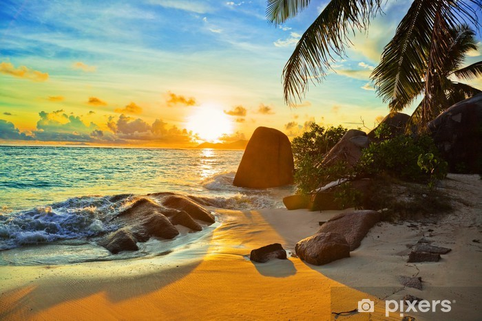 Fotomural Estándar Playa tropical al atardecer - Temas