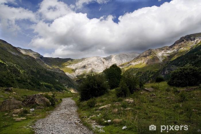 Papier peint vinyle Pyrénées cirque de montagne - Europe