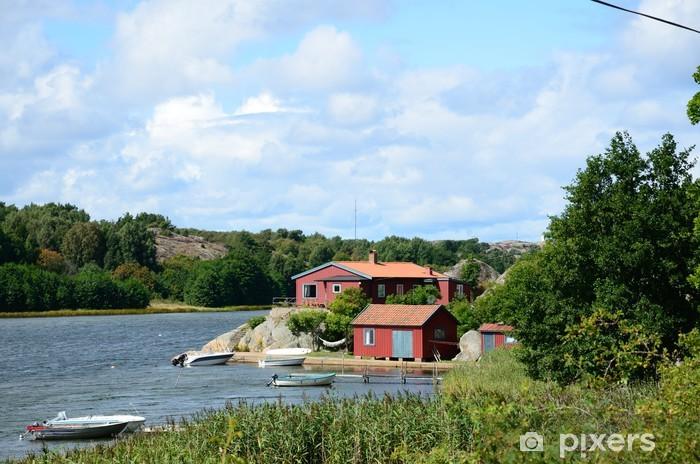 Vinyl-Fototapete Rote Häuser am Meer (Schweden) - Europa