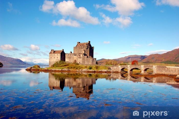 Sticker Pixerstick Eilean Donan Castle, Highlands, en Ecosse - Thèmes