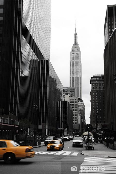 Fototapeta winylowa Emipre State Building i żółty, Manhattan, New York -