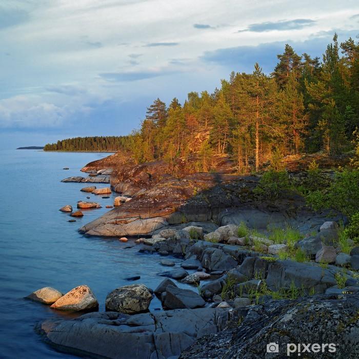 Vinylová fototapeta Večer v kamenitém břehu jezera Ladoga - Vinylová fototapeta