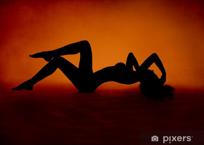 Naklejka Pixerstick Seksowna kobieta w czerwonej sylwetki leżącego pomarańczowym tle - Uroda i pielęgnacja ciała
