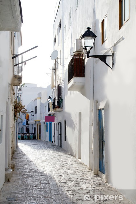 Fototapeta winylowa Ibiza białe domy downtown wąskiej uliczce - Tematy