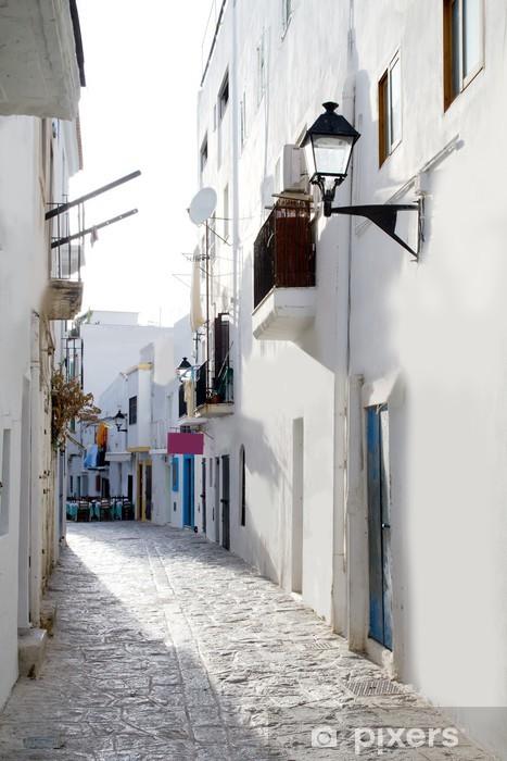 Papier peint vinyle Ibiza centre-ville de maisons blanches étroites rues - Thèmes