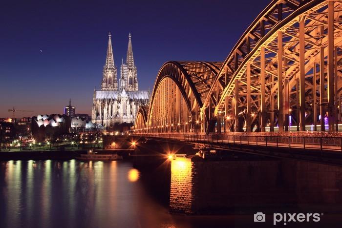Naklejka Pixerstick Katedra w Kolonii nocą - Tematy