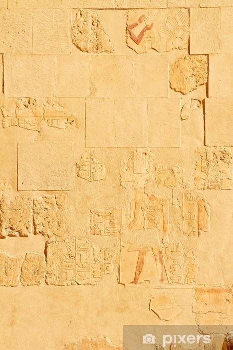 Naklejka Pixerstick Płaskorzeźba na ścianie w świątyni królowej Hatszepsut w Luksorze - Afryka