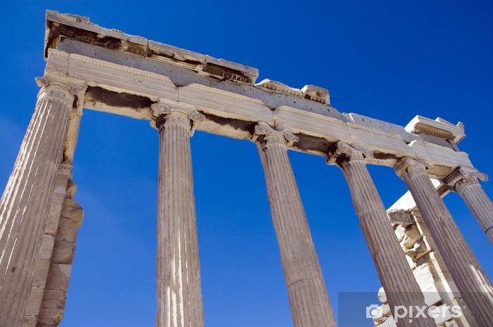 Pixerstick Aufkleber Säulen der Ruinen eines griechischen Tempels unter dem blauen Himmel - Europäische Städte