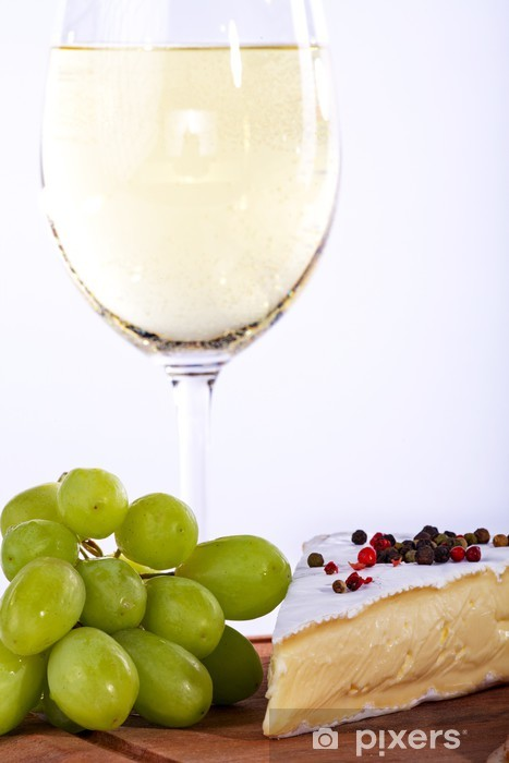 Naklejka Pixerstick Wein Trauben mit Weiswein und Käse, bliska - Sery