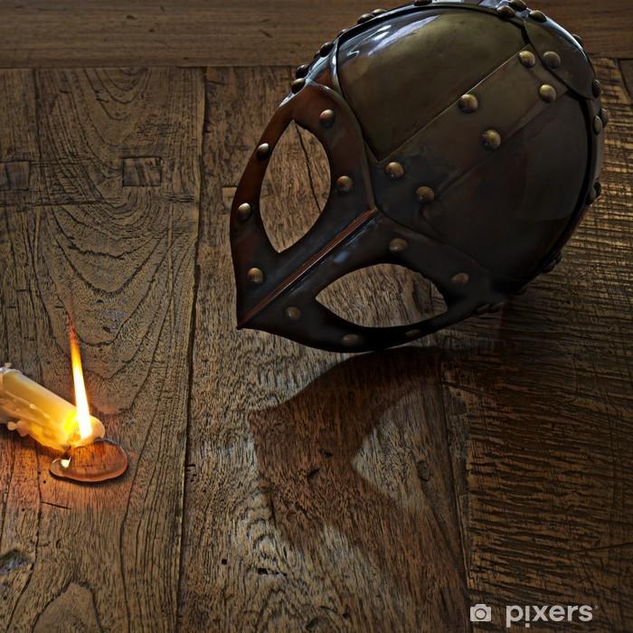 abgelegter Wikinger-Helm auf Holzboden Framed Poster - Time