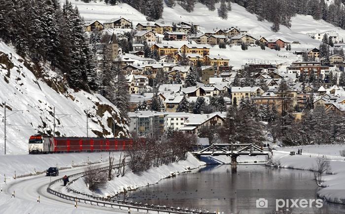 Fototapeta winylowa Samaden e z kolei Bernina niechętnym - Wakacje