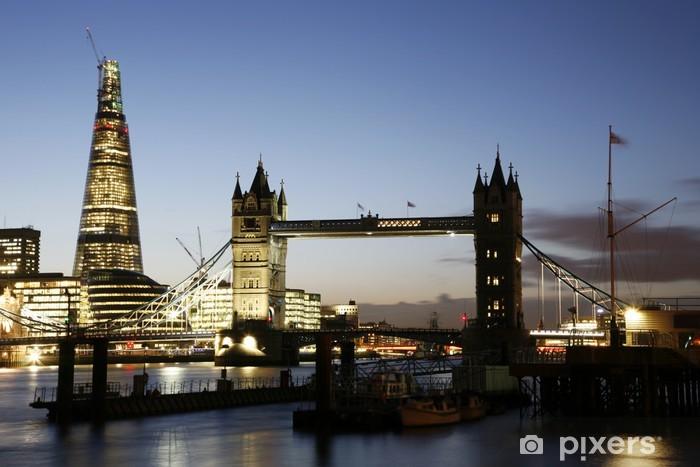 Naklejka Pixerstick Tower Bridge o zmierzchu - Tematy