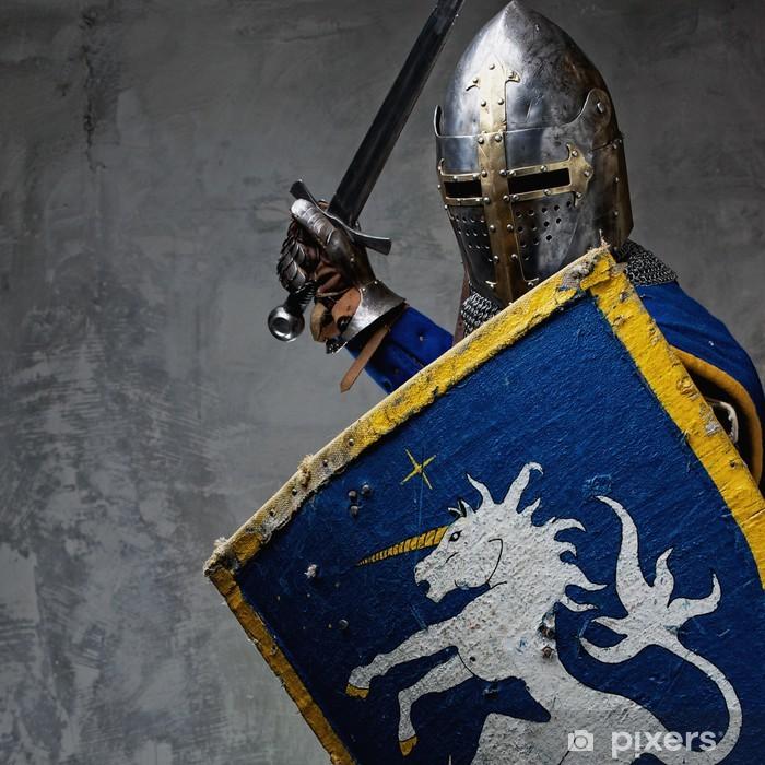 Fototapeta winylowa Średniowieczny rycerz w sytuacji ataku. - Rycerze