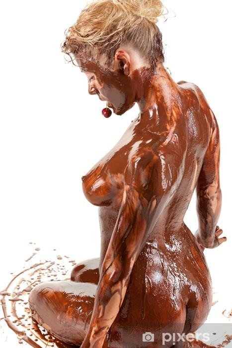 beau male tout nue femme nue couverte de peinture