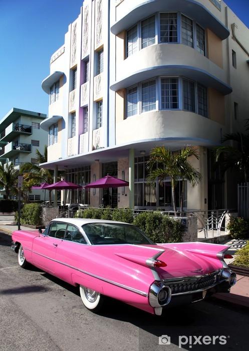 Naklejka Pixerstick Stary amerykański samochód zaparkowany na Collins Avenue Miami Beach - Ameryka