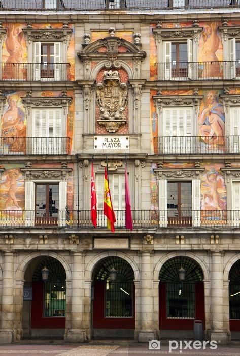 Naklejka Pixerstick Fasada starego budynku, Madryt, Hiszpania - Miasta europejskie