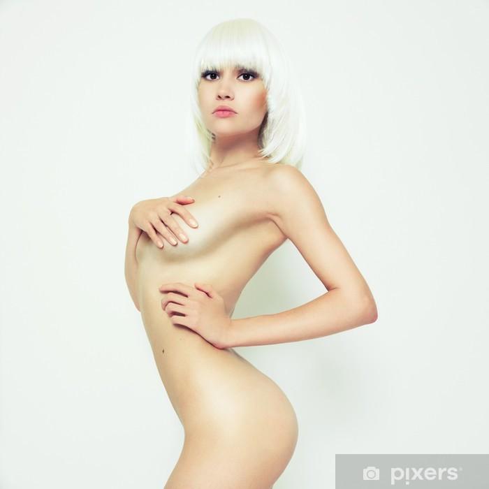 alaston nainen