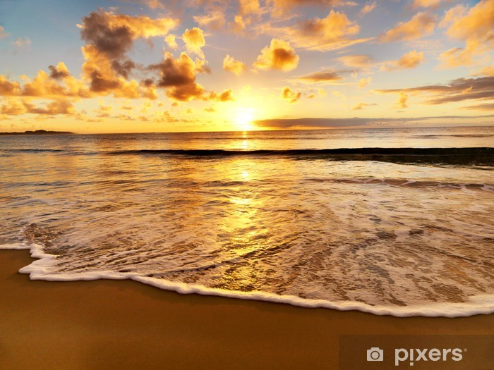 Fototapeta winylowa Piękny zachód słońca na plaży - Tematy