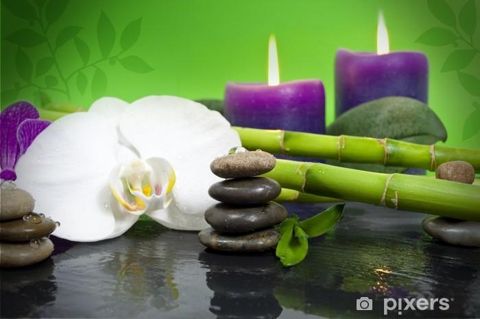 Orchidee Mit Bambus Auf Schieferplatte Kerzen Und Steinen Wall