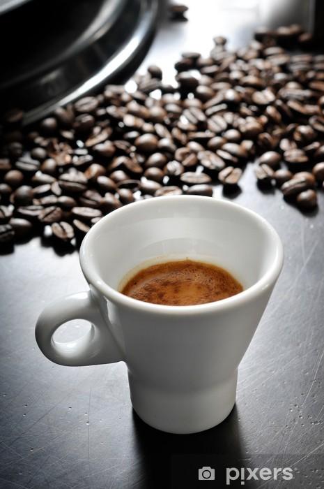 Vinyl Fotobehang Espresso koffie in houten tafel - Warme Dranken