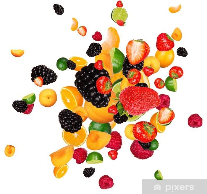 Poster Morceaux de fruits frais mélange, isolé sur fond blanc - Sticker mural