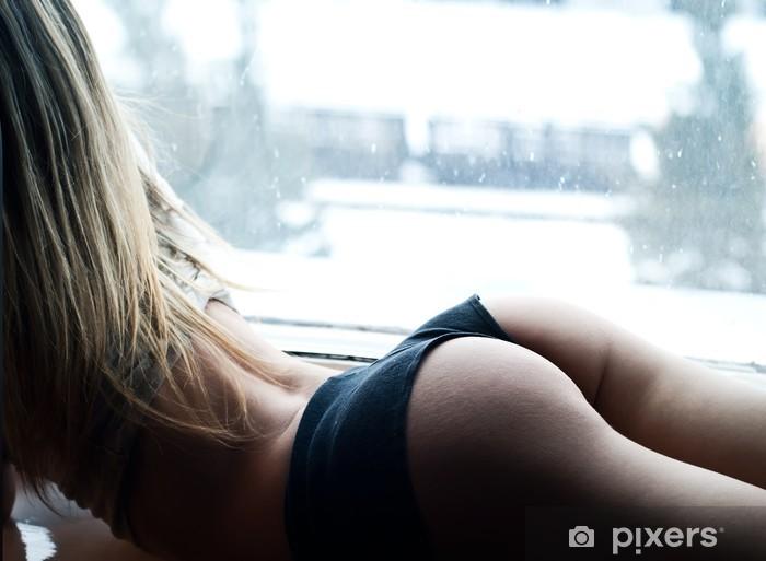 girl has a nice ass