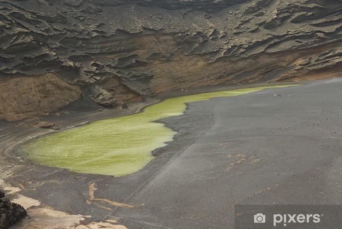 Fotomural Estándar Interior de volcan junto al mar - Vida