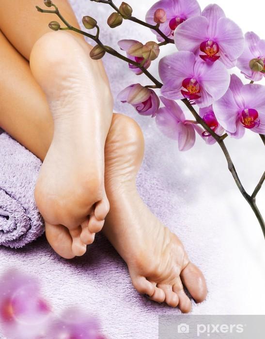 Fototapeta winylowa Masaż stóp w salonie spa - Uroda i pielęgnacja ciała