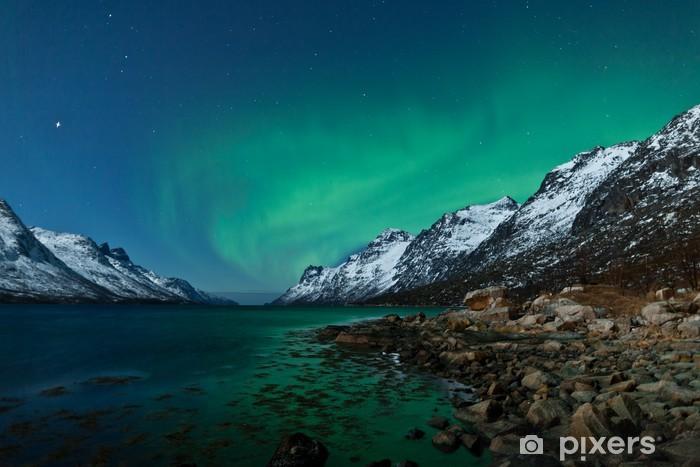 Fototapeta winylowa Aurora boarealis odzwierciedlenie w oceanie - Tematy