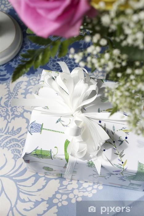 Papier peint vinyle Présente une - Fleurs