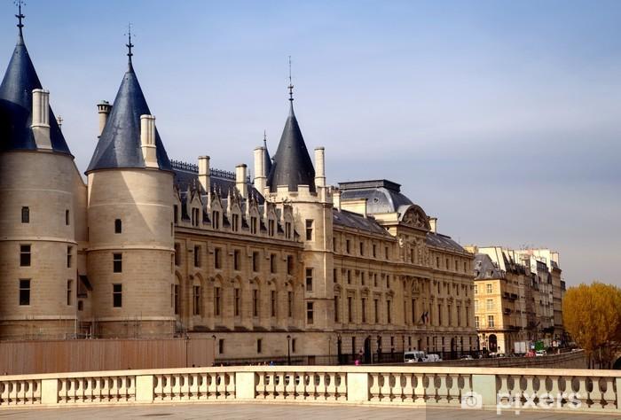 Naklejka Pixerstick Pałac Sprawiedliwości w Paryżu, Francja - Miasta europejskie