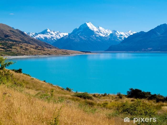 Fototapeta winylowa Emerald Glacier Lake Pukaki, Aoraki Mt Cook NP, NZ - Oceania