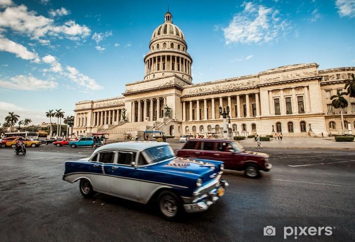 Fotomural Estándar La Habana, Cuba - en junio, día 7. fortalecimiento del capital de Cuba, 7 de 2011. - Cuba