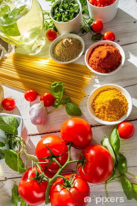 Papier peint vinyle Close-up de légumes dans la cuisine italienne - Thèmes